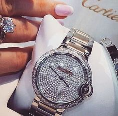 Look at this exciting women's watches and bracelets - what an imaginative design and development Body Jewelry, Jewelry Box, Jewelry Watches, Jewellery, Estilo Glamour, Jewelry Accessories, Fashion Accessories, Expensive Taste, Diamond Are A Girls Best Friend