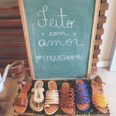 Para seus pés se sentirem amados❤️ PROMO #lojaamei #etiquetaamei #muitoamor #pés #naamei #conforto #rasteira #chinelo #sandália