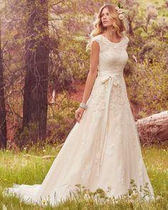 ¡Querrás un vestido de novia con encaje! El encaje es irresistible y seductor para todas las mujeres, además hace sentir femenina y sensual a toda mujer. ¡Te presentamos una gran variedad de vestidos de novia de encaje, para que te fascines!