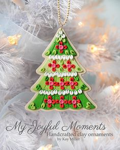 Christmas Tree, Handcrafted Polymer Clay Ornament by Kay Miller on Etsy. Crea Fimo, Fimo Clay, Polymer Clay Projects, Polymer Clay Art, Polymer Clay Embroidery, Polymer Clay Ornaments, Polymer Clay Christmas, Clay Design, How To Make Ornaments