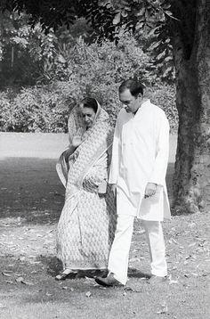 Indian Politician Indira Gandhi News Photo - Getty Images Indian Pictures, Rare Pictures, Rare Photos, Indira Ghandi, Mahatma Gandhi Photos, Freedom Fighters Of India, Rajiv Gandhi, History Of India, Vintage India