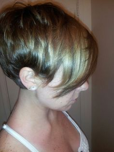 This Funky short pixie haircut with long bangs ideas 62 image is part from 100+ Funky Short Pixie Haircut with Long Bangs Ideas gallery and article, click read it bellow to see high resolutions quality image and another awesome image ideas.