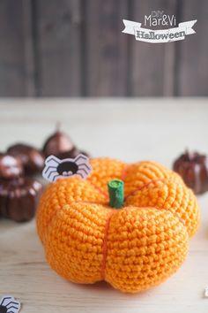 Calabaza amigurumi paso a paso : Calabaza amigurumi paso a paso Crochet Fruit, Crochet Pumpkin, Crochet Fall, Halloween Crochet, Love Crochet, Crochet Flowers, Crochet Toys, Knit Crochet, Amigurumi Patterns