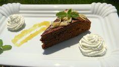 Gyömbéres-marcipános csokitorta