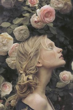 Portraits of Most Beautiful Women with Flowers from Pinterest ★ See more: http://glaminati.com/beautiful-women-with-flowers/