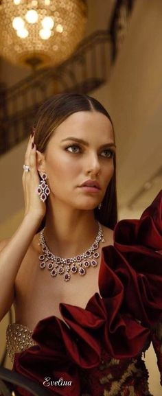 that jewelry is my dream opera accessories!