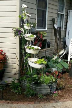 70 Garden Art From Junk Design Ideas