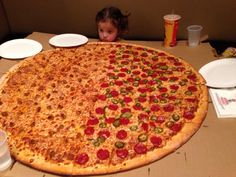 Tumblr: foodhumor:     She asked for the biggest pizza they had