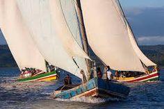 Saverista em seu barco, nas águas da Bahia | Brazilian boat. | Boating and Brazil
