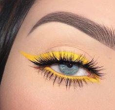 Cute yellow eye makeup - Make Up Ideas Makeup Eye Looks, Eye Makeup Art, Cute Makeup, Skin Makeup, Makeup Inspo, Eyeshadow Makeup, Gel Eyeliner, Glitter Eyeshadow, Gorgeous Makeup