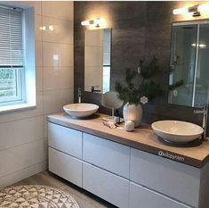 on Insta Web Viewer Bad Inspiration, Bathroom Inspiration, Interior Design Inspiration, Bathroom Ideas, Small Space Kitchen, Rustic Apartment, Inspire Me Home Decor, Upstairs Bathrooms, Decorating Your Home