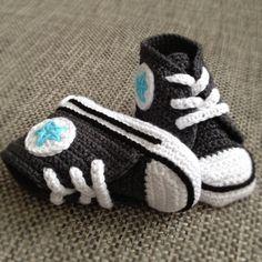 Crochet baby sneakers  FREE SHIPING. kr320.00, via Etsy.