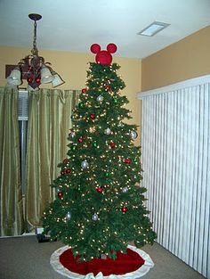 cd40dc8a8d9 DIY Mickey Mouse Tree Topper  DIY  Disney  Christmas  MickeyEars   MinnieMouse