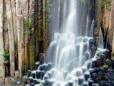 Prismas basálticos.  Ubicados en el estado de Hidalgo. Los prismas son formaciones geológicas de singular belleza.