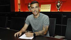Ufficiale: Benfica, preso il centrocampista Chiquinho. I dettagli #Calciomercato #News #Top_News #Benfica #chiquinho Mens Tops, T Shirt, Fashion, Supreme T Shirt, Moda, Tee Shirt, Fashion Styles, Fashion Illustrations, Tee