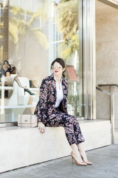 Ann Taylor Floral Suit, Laura Lily Fashion Blog, Spring Work Outfits, Blush Quilted Bag