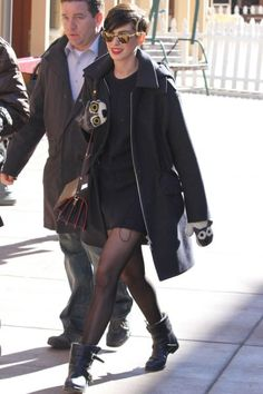In early 2013, we never would've guessed that, in a year's time, we'd actually sort of miss Anne Hathaway. But, her yearlong hiatus was well timed. We were pretty thrilled to see her step out at Sundance in her adorable, Wolf Vs. Sheep mittens (you can shop all Vs. animal-print accessories here), engineer boots, and the pixie crop that still looks amazing on her.