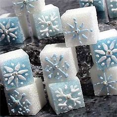 Decorated sugar cubes with delicate blue and silver toned snowflakes. Miniature Christmas Cookies to complete your Holiday Table. Christmas Afternoon Tea, Christmas Tea, Miniature Christmas, Christmas Cookies, Xmas, Frozen Birthday Party, Frozen Party, Winter Tea Party, Sugar Cubes