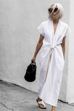 Janaes Style Primary New York Miranda Bennett Studio Knot Dress White Maxi Dress With Slit, V Neck Dress, The Dress, Kimono Style Dress, Dress Long, Look Plus Size, Look Street Style, Knot Dress, Wrap Dress