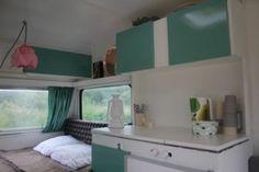 Filmpje, caravan in 2 lagen dekkend schilderen