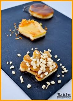 Mmmm…tartas de queso!!! Ya sabeis que me encantan y cuando cae una receta en mis manos no puedo evitar probarla..además quería probar otro uso para los cortadores de galletas y..voilà! minitartas de queso con forma de corona! Es un buen uso alternativo para los cortadores, también los he probado para … Seguir leyendo >>