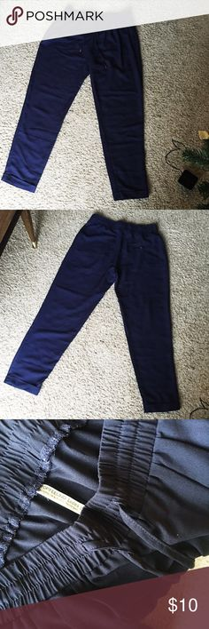 Navy loose pants In great condition! Goes perfect with white Tee! Pants