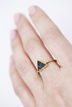 This little triangle druzy ring is so charming.