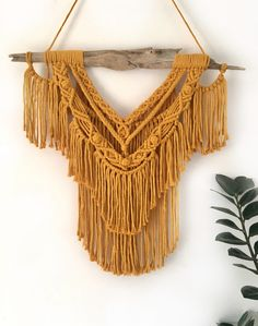 Macrame Curtain, Boho Decor, Tassel Necklace, Knots, Projects To Try, Weaving, Arts And Crafts, Wall Decor, Dreamcatchers