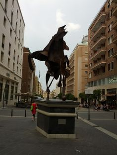 Cavaliere arrugginito di via Toledo