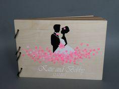 Modernes+Hochzeitsgästebuch+aus+Holz+von+Traumhochzeit+auf+DaWanda.com