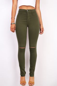 High rise skinny jeggings in a black wash with smooth straight cuts across the knees. Traditional front and back pockets and zip fly and button closure. High Waisted Skinny Trousers, High Waist Jeggings, Skinny Jeans, Purple Skinny Pants, Pink Pants, Green Pants, Ripped Knees, Joggers Womens, High Rise Pants