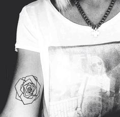 I really want this geometric rose but with a red water colour and put it on my…