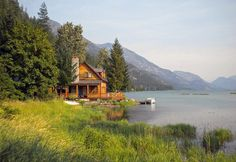 a cabin by the lake, with mountains - yes, please!