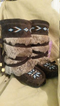 Design your mukluks and let me make them for you by Thatmuklukman Native American Moccasins, Native American Beadwork, Moccasin Boots, Fur Boots, Hand Embroidery Patterns, Beading Patterns, Native Fashion, Beaded Moccasins, American Doll Clothes