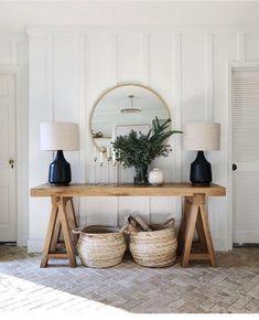 country home decor Round Living Room Black Entryway Console, Entryway Decor, Entryway Tables, Modern Entryway, Entryway Ideas, Wall Decor, Hallway Ideas, Console Tables, Cottage Entryway
