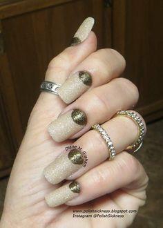 Textured Half-Moon in Gold and nude #polish #nails #nailart #polishsickneess - bellashoot.com