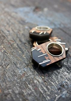 Theresa Burger, love her jewellery, very contemporary and unusual designs, wish there was a way to purchase!