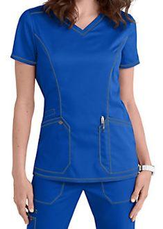 Dickies Essence V-neck Scrub Tops Scrubs Outfit, Scrubs Uniform, Blazer Pattern, Top Pattern, Nurse Costume, Phlebotomy, Moda Chic, Medical Scrubs, Dental Assistant
