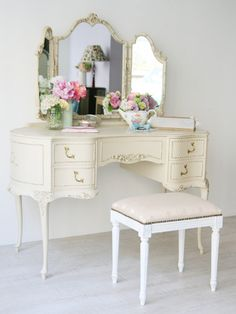 I Love This Painted Dressing Table Mirror And Chair