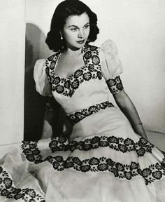 """Vivien Leigh is photographed as part of the publicity campaign for """"Casear and Cleopatra,"""" in 1945."""