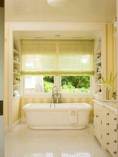freestanding tub w/ built-ins... inspiration
