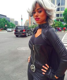 regram There's a Storm brewing in D. Storm Cosplay, Xmen Cosplay, Storm Comic, Black African American, Beautiful Black Women, Wigs, Halloween Costumes, Dress Up, Sporty