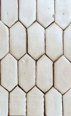 Picket   -  Tabarka Tile  -  http://tabarkastudio.com/tile/picket/