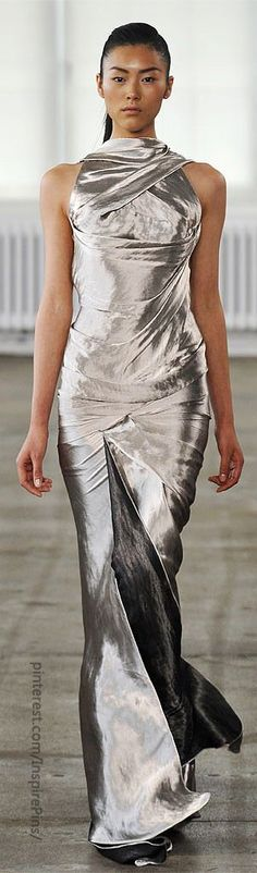 this would be amazing on a slightly thicker curvier girl. Donna Karan
