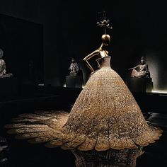 """""""China: Through the Looking Glass - 中国:镜花水月"""" - interesting experience of curated couture alongside ancient artefacts at the @metmuseum after @voguemagazine's discussion on costuming with @hamishbowles and Nicole Kidman... ✨"""