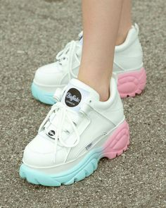 We are happy to announce another great collaboration: Buffalo London x Hbxwm Miyknrvv Heather Baxter Pink Sneakers, Sneakers Fashion, Fashion Shoes, 90s Fashion, Sock Shoes, Shoe Boots, Buffalo Shoes, Pastel Shoes, Kawaii Shoes