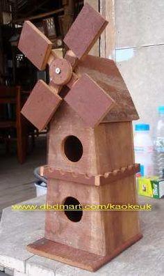 nichoirs du web Wooden Windmill, Bird House Feeder, Bird Feeders, Bat Box, Bird House Plans, Bird Houses Diy, Diy Furniture Easy, Bird Boxes, Home Projects