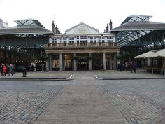 Covent Garden Market in London London Places, Covent Garden, Explore, Mansions, House Styles, Home Decor, Mansion Houses, Homemade Home Decor, Manor Houses