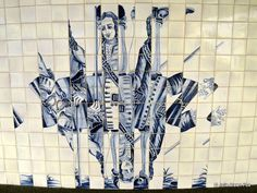 Lisbon's metro stations are an underground art gallery - by Julie Dawn Fox in Portugal 10.10.2013 | Lisbon's metro system is more than a convenient way of getting around the city - its stations form an underground art gallery with imaginative painted azulejos (tiles) and sculptures | Photo: Jumbled azulejos by Eduardo Nery