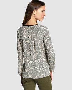 Blusa de mujer Indi & Cold con estampado paisley y manga larga